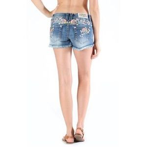 Pants - NEW Grace in LA Denim Shorts w Floral Embroidery